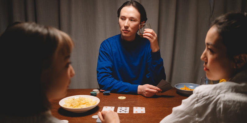 3 players three (3) card poker hands