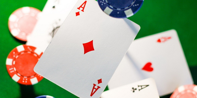 4 aces and chips