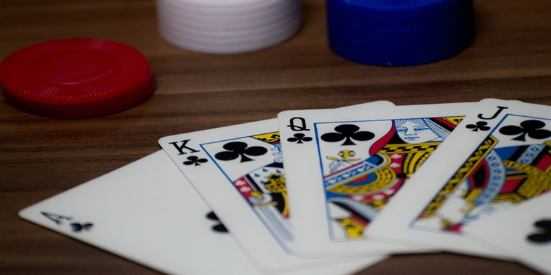 4 card - how to play Caribbean poker