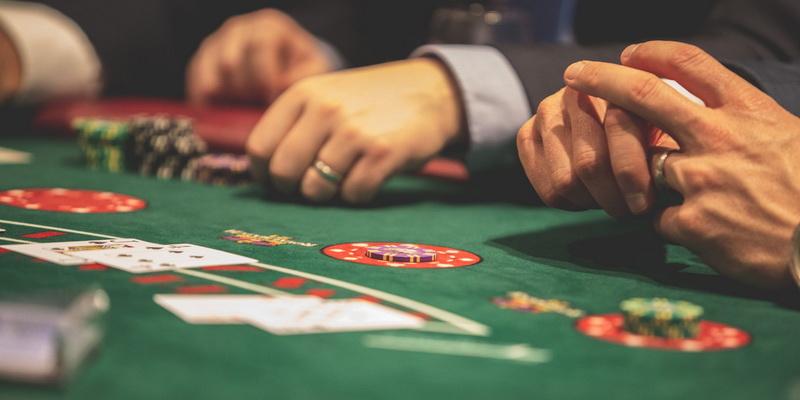 Blackjack card game rules three players